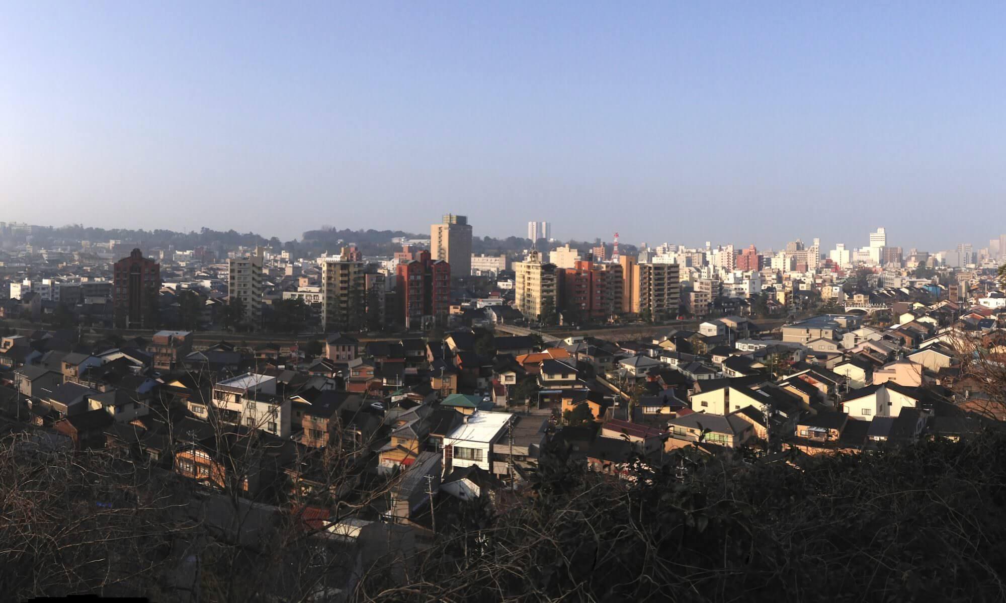 境内から眺める百万石の城下町