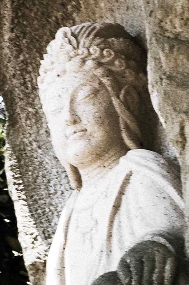 遊戯観音像(3) 金沢宝泉寺
