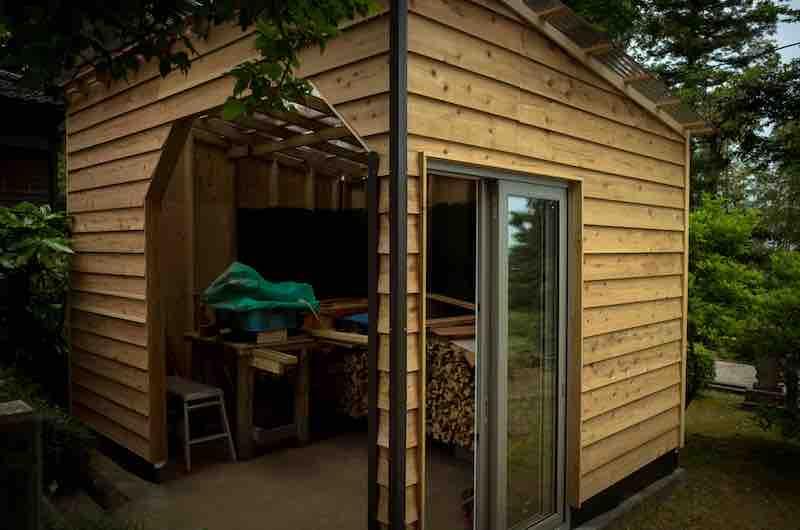 護摩木作業小屋