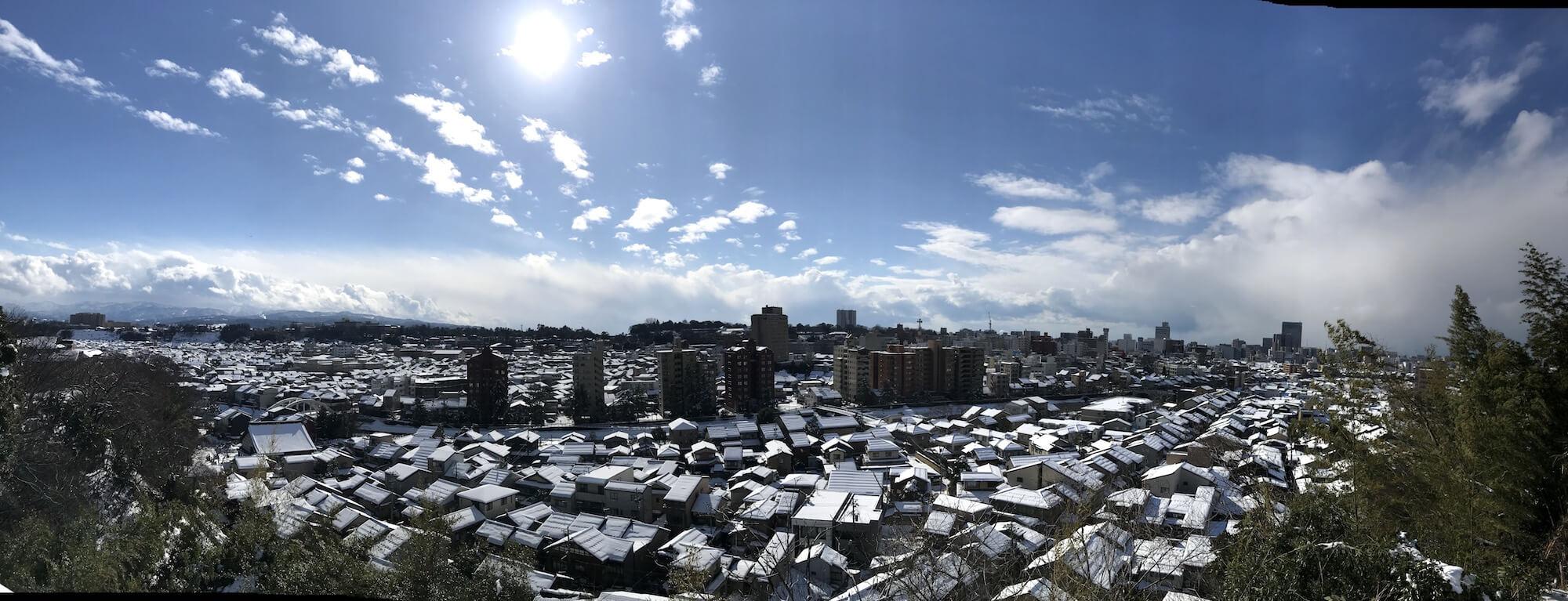 「町双六」五本松宝泉寺から見る金沢の雪景色