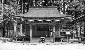 昭和58年に再建された孔雀堂