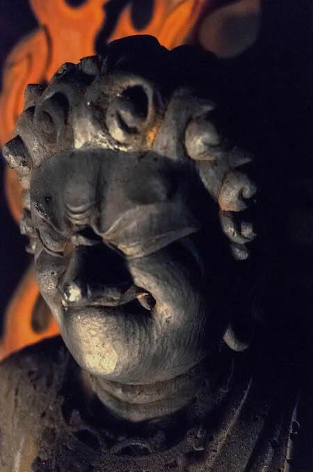 不動明王立像および二童子像(部分)宝泉寺