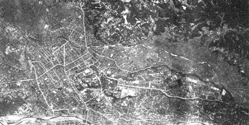 米軍偵察機が1945年6月21日に撮影した金沢市街地野降雨空写真(米国立公文書館保管、工藤氏提供)2018年7月17日「北國新聞」