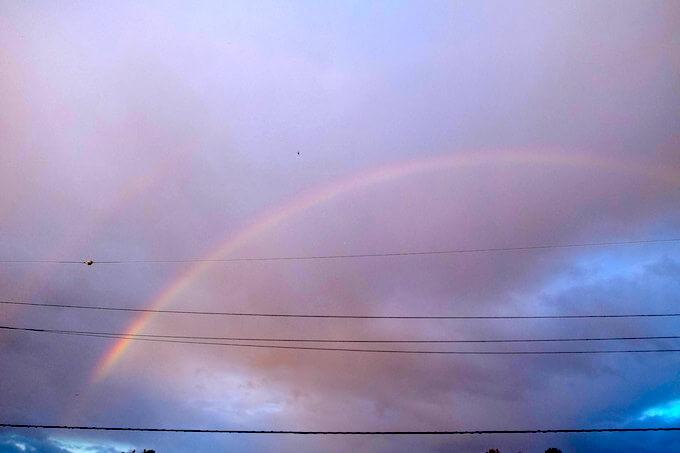 2019年11月1日、宝泉寺境内から見たの虹